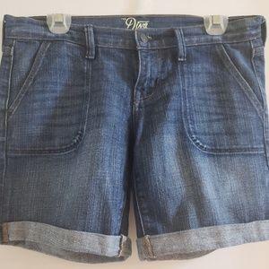 "5"" Denim Shorts Size 4"